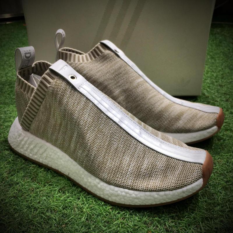 KITH x NAKED x adidas Consortium NMD CS2代跑鞋 情侶款