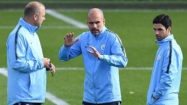 Guardiola Desak Manchester City Datangkan Titisan Pirlo