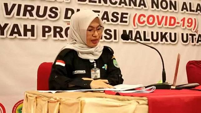 Juru Bicara (Jubir) Gugus Tugas Percepatan Penanganan Covid-19 Malut dr Alwia Assagaf dalam konferensi pers, Kamis (2/7/2020). (Foto: iNews/Ismail Sangaji)