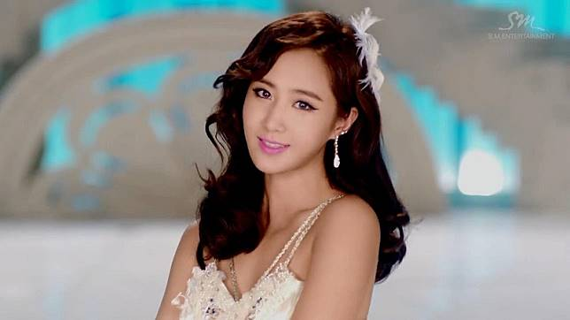 Hitam Manis 9 Idola K Pop Yang Punya Kulit Gelap Nan Menawan