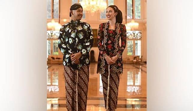 Anggota keluarga Cendana, Haryo Putro Wibowo menikahi gadis keturunan Jawa - Amerika, Della Putri Anjani Atkins. Akad nikah berlangsung di Jakarta pada Sabtu, 19 Oktober 2019. Foto: Istimewa