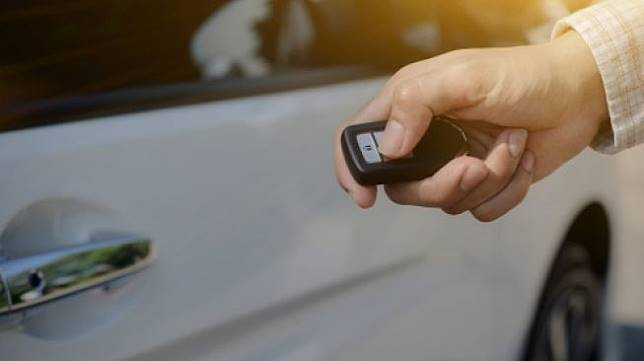 Smart key car untuk mobil [Shutterstock].