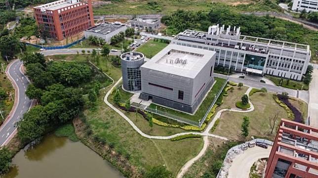 Laboratorium P4 di Wuhan, China. [Hector RETAMAL/AFP]