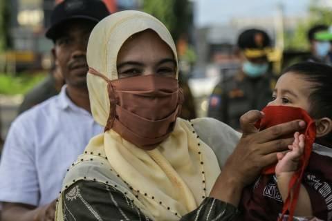 Foto: Wajib Pakai Masker di Banda Aceh, Tim Gabungan