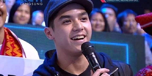 Bidik layar live streaming YouTube Indonesian Idol X