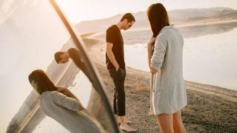 8 Tanda Kisah Cinta Ada di 'Ujung Tanduk'