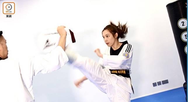 跆拳道教練張詠欣稱,透過混合跆拳道及健身動作,可達至更佳的消脂效果。(張錦昌攝)