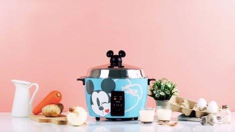 荷包失守勿入!全球首款「迪士尼米奇電鍋」,煮飯也能很歡樂!