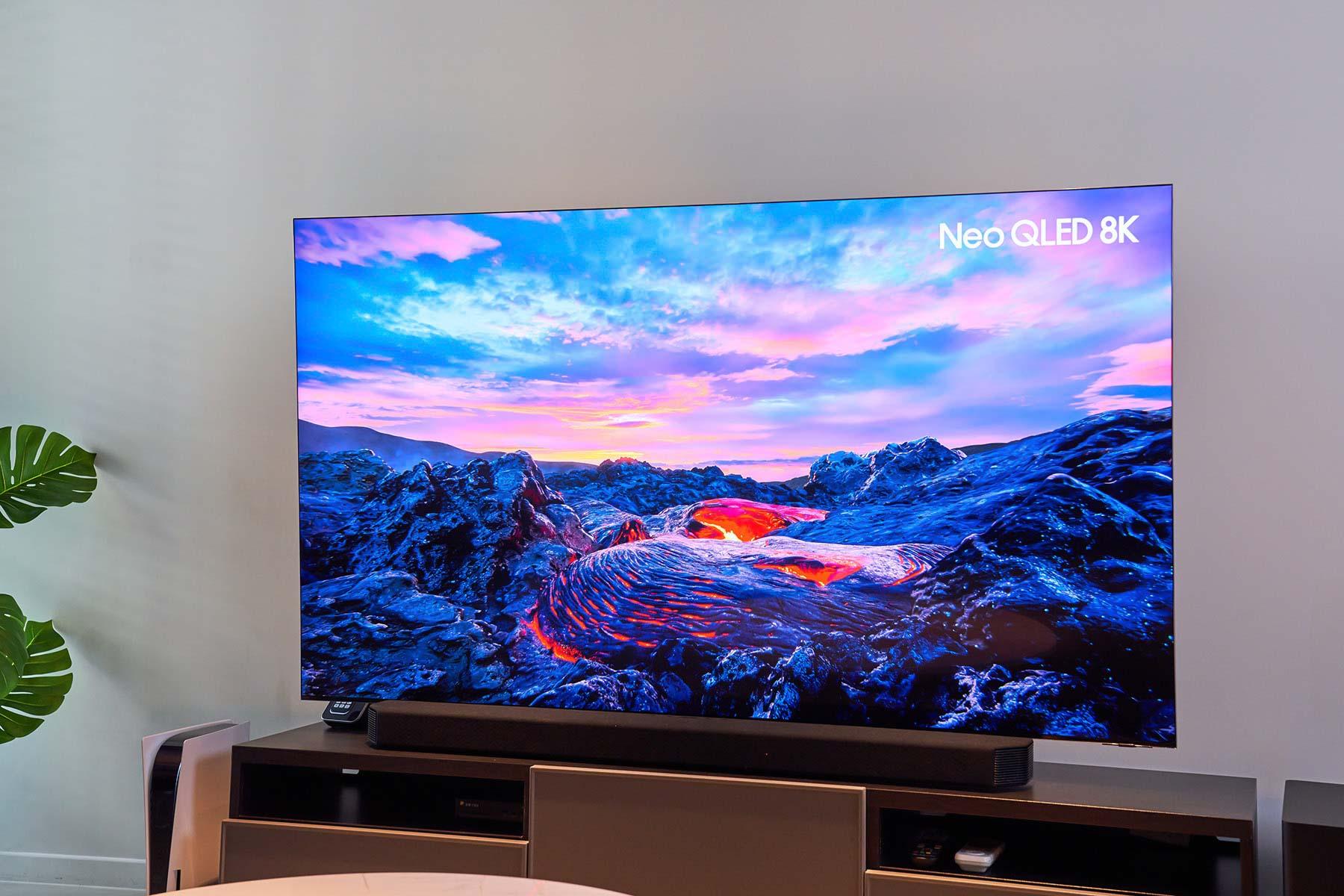 已連續 15 年稱霸全球電視市場的三星,今年隆重推出全新的旗艦機種 Neo QLED 8K 量子電視 QN900A 系列。