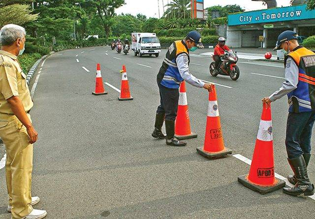 Karantina Wilayah Bisa Pekan Ini, Selain Pelat L Dilarang Masuk