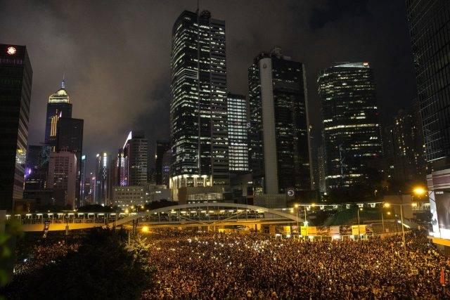 """ฮ่องกงจะไปทางไหนเมื่อ """"การเมือง-เศรษฐกิจ""""ระส่ำ"""