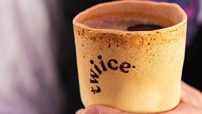 Air New Zealand Sajikan Kopi dalam Gelas yang Bisa Dimakan