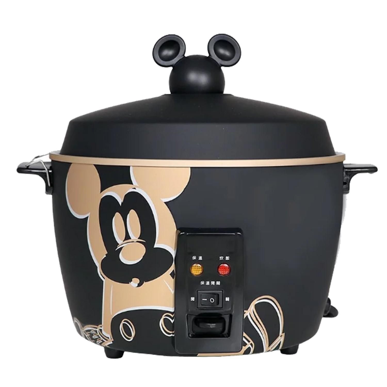 迪士尼正版授權!不鏽鋼電鍋,可愛米奇頭造型手把。健康新思維,外鍋、內鍋、蒸盤皆全不鏽鋼材質。炊飯、煮粥、煲湯、燉滷、蒸煮和各式點心。11人大份量!全家都可以吃飽健康~。具保溫開關,可依需求開啟或關閉。專業蒸氣孔設計,水氣不滴落在食材上。MIT台灣製造,通過無毒測試認證,符合國家標準安全認證;迪士尼 - 米奇系列304不鏽鋼11人份電鍋,迪士尼正版授權!不鏽鋼電鍋,可愛米奇頭造型手把。健康新思維,外鍋、內鍋、蒸盤皆全不鏽鋼材。具保溫開關,可依需求開啟或關閉。專業蒸氣孔設計,水氣不滴落在食材上。MIT台灣製造,通過無毒測試認證,符合國家標準安全認證