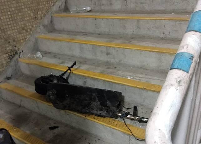 疑電線短路引起火警的電動滑板車。