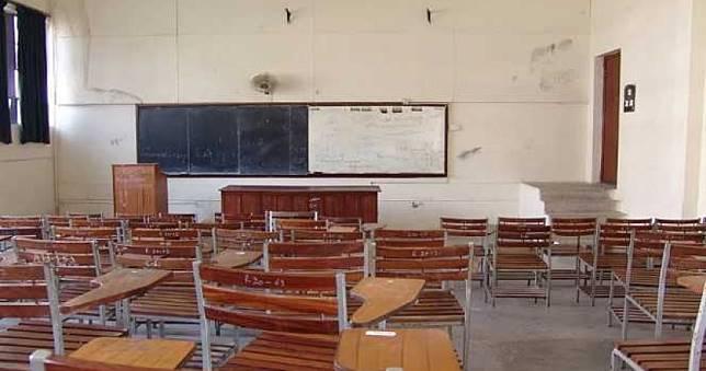 15歲女學生腹痛趴桌2hr慘死!老師冷眼未送醫...媽到校心碎