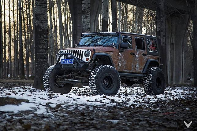 Modifikasi Jeep Wrangler hasil garapan Vilner