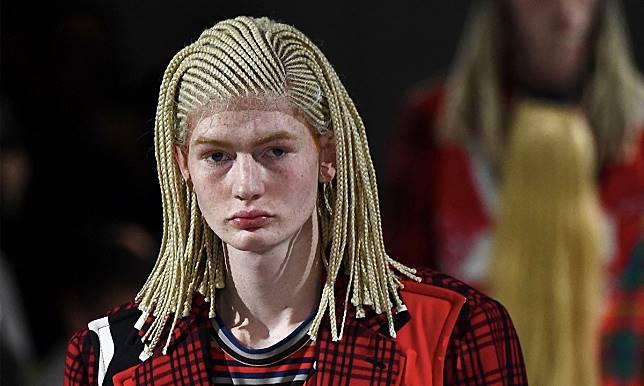 # 政治正確:Comme Des Garçons Homme Plus 因編織髮型遭抨擊