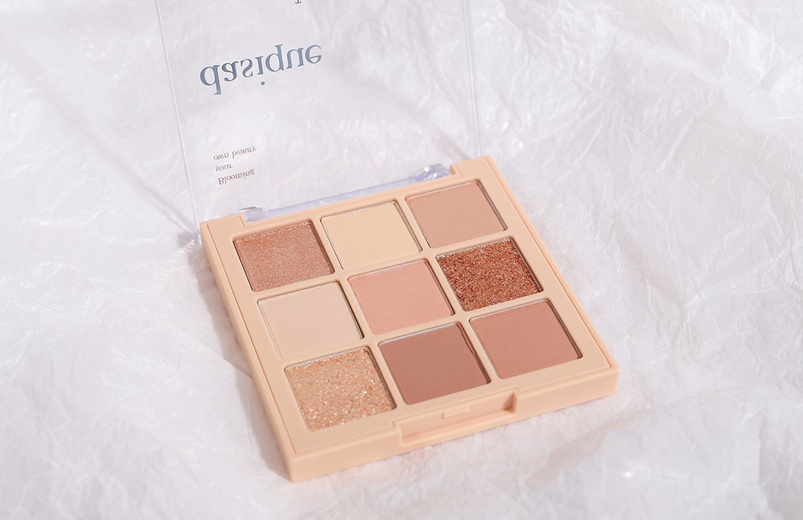 Shadow Palette #03 Nude Potion の置き画像