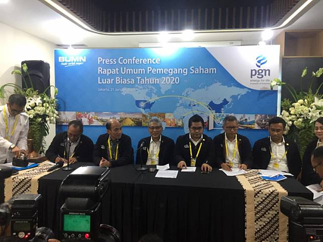 Former Energy Minister Arcandra Tahar (seated second left) was appointed president commissioner of PGN after a shareholder meeting in Jakarta on Tuesday .