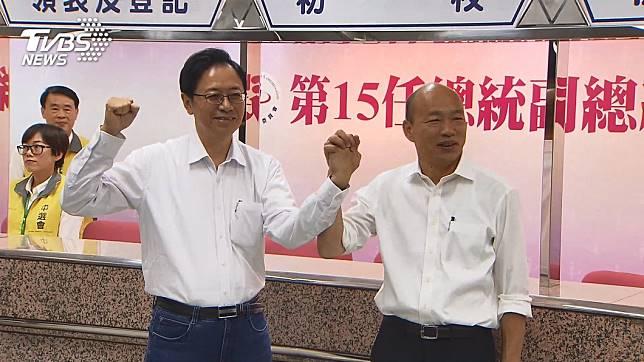 國民黨總統候選人韓國瑜(右)和副手張善政(左)。圖/TVBS資料照