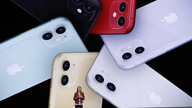 Kaiann Drance memperkenalkan iPhone 11 terbaru di Cupertino, California, AS, 10 September 2019. iPhone 11 Pro hadir dalam ukuran layar 5,8 inch. Sedangkan iPhone 11 Pro Max lebih lapang, 6,5 inch. Keduanya menggunakan Super Retina Display (OLED). REUTERS/Stephen Lam