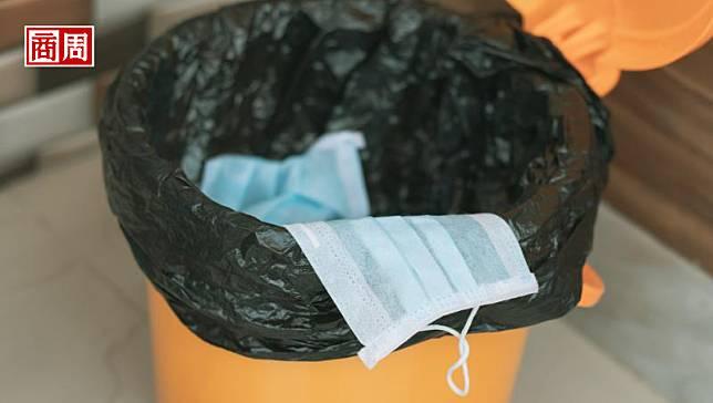 亂丟口罩,等於亂丟病毒!疫情產生的大量醫療廢棄物,台灣能處理嗎?