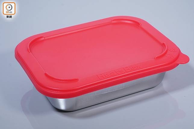 紅色矽膠蓋,可以完全蓋實容器,防漏效果一流。(莫文俊攝)