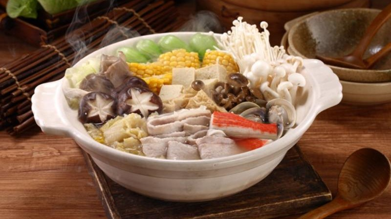 冬日鍋物精選!讓人口水直流的 5 款酸菜白肉鍋在家也能輕鬆煮
