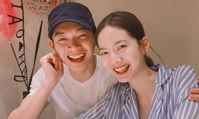 ▲曾之喬和辰亦儒宣布結婚。(圖/翻攝IG)