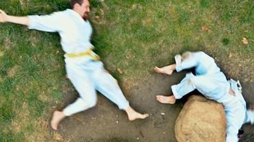國外網友自製「Stop-Motion 格鬥」 簡直就像七龍珠真實版!