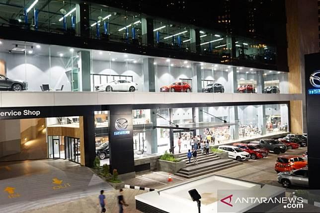 Mazda punya diler bernuansa minimalis-modern di Simprug