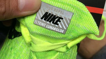 乳沫速報 / Nike Flyknit LunarGlide