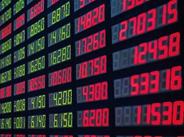 ▲台北股市2月18日早盤漲近80點,最高來到10143點附近,站上10100點大關。(圖/NOWnews資料照片)
