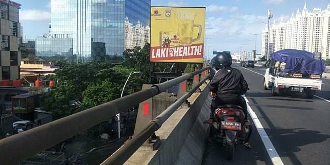 Jalan Yos Sudarso Masih Banjir Setinggi 50 cm, Pengendara Motor Masuk Tol