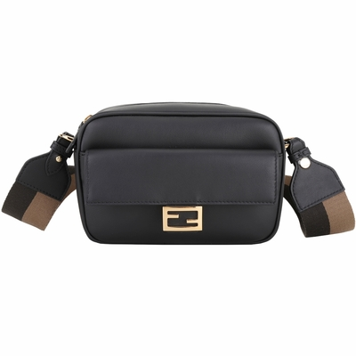 FENDI Baguette FF 金屬釦織紋背帶斜背相機包(黑色)