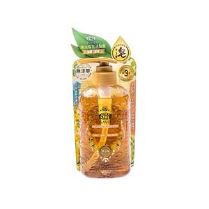 頭髮清潔使用 添加日本頂級草本胺基酸與多種植物精華,提供秀髮全方位保養 黃金摩洛哥堅果油、黃金荷荷芭油等10種天然植物油精製而成的金黃色液體皂 人蔘、何首烏、蕁麻等多種草本萃取可滋養秀髮,使頭髮更顯彈