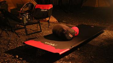 輕鬆帶著走 NANGA x Helinox 聯名款折疊露營椅及行軍床 台灣販售資訊
