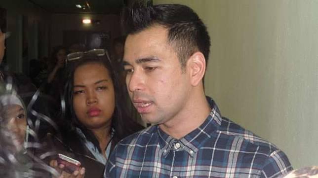 Aktor sekaligus presenter Raffi Ahmad ditemui di kawasan Kebon Jeruk, Jakarta Barat,  Kamis (14/8/2014). [Suara.com/Yazir Farouk]