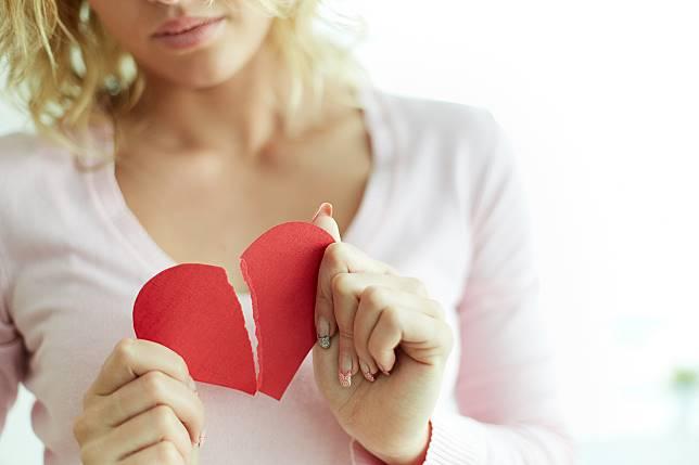 Berapa Lama Waktu yang Dibutuhkan Seseorang yang Putus Cinta untuk Pulih?