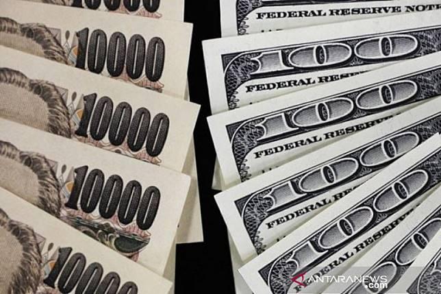 Dolar turun terhadap yen, investor cari tempat aman karena virus China
