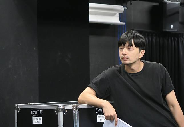1013 江常輝排練舞台劇。(圖:故事工廠提供)