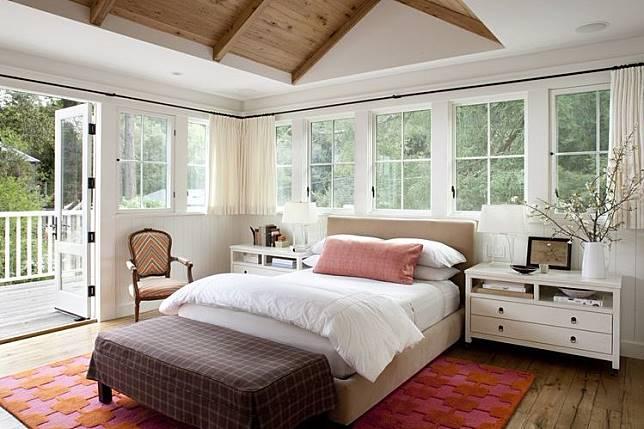 6 Ide Kusen Jendela Kamar Inspiratif Buat Rumahmu