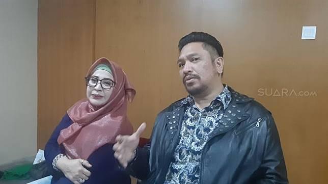 Zacky Alatas dan Wirdha Sylvina saat ditemui di kawasan Pasar Baru, Jakarta Pusat, Sabtu (25/1/2020). [Suara.com/Herwanto]