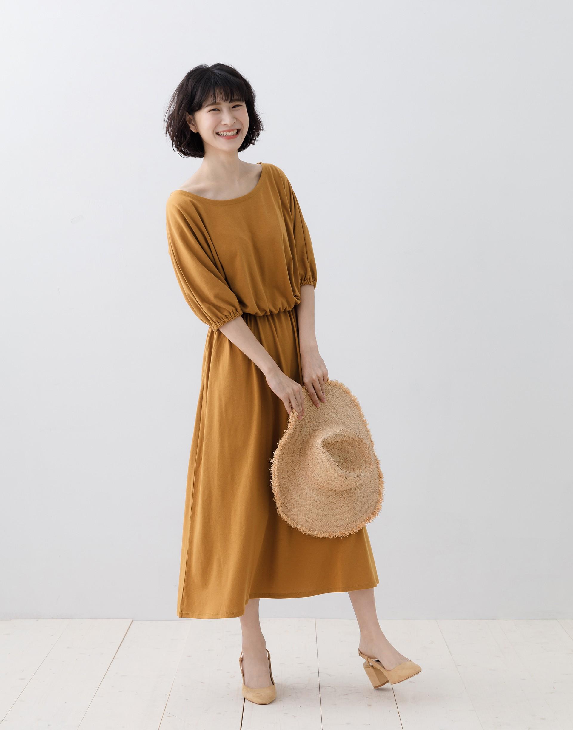 彈性:適中 五分袖設計、鬆緊腰設計、柔軟舒適面料