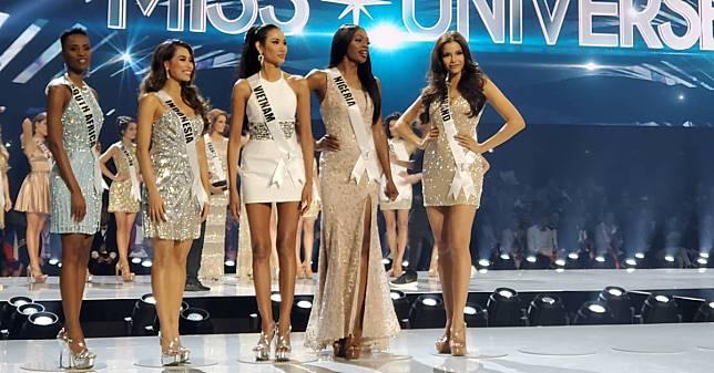 รวมภาพบรรยากาศเส้นทาง Top 5 อันสง่างามของ ฟ้าใส ปวีณสุดา จากขอบเวทีการประกวด Miss Universe 2019