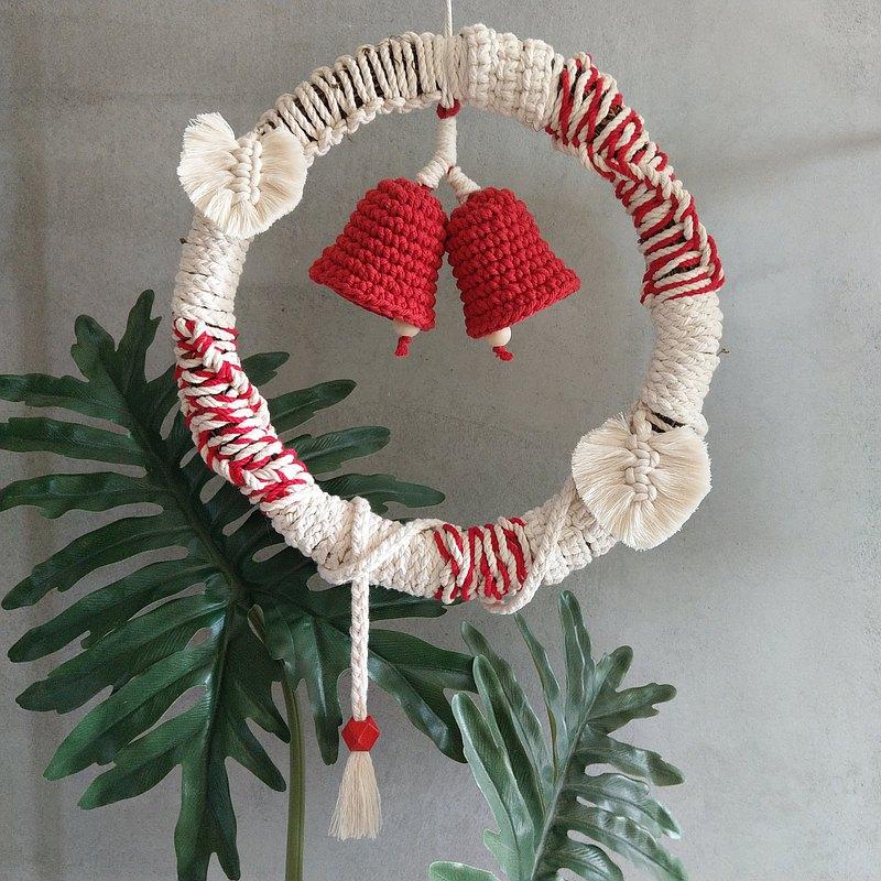 聖誕節藤圈-棉繩透過手編來豐富聖誕藤圈的設計