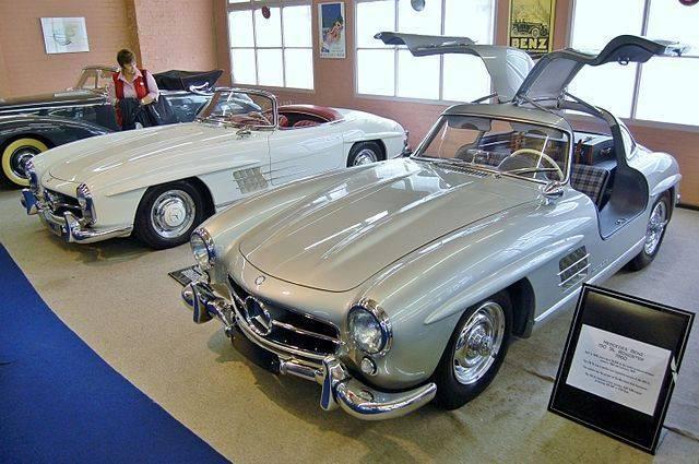 Mercedes-Benz 300SL Coupe Gullwing yang dipajang di Fox Classic Car Collection, Australia
