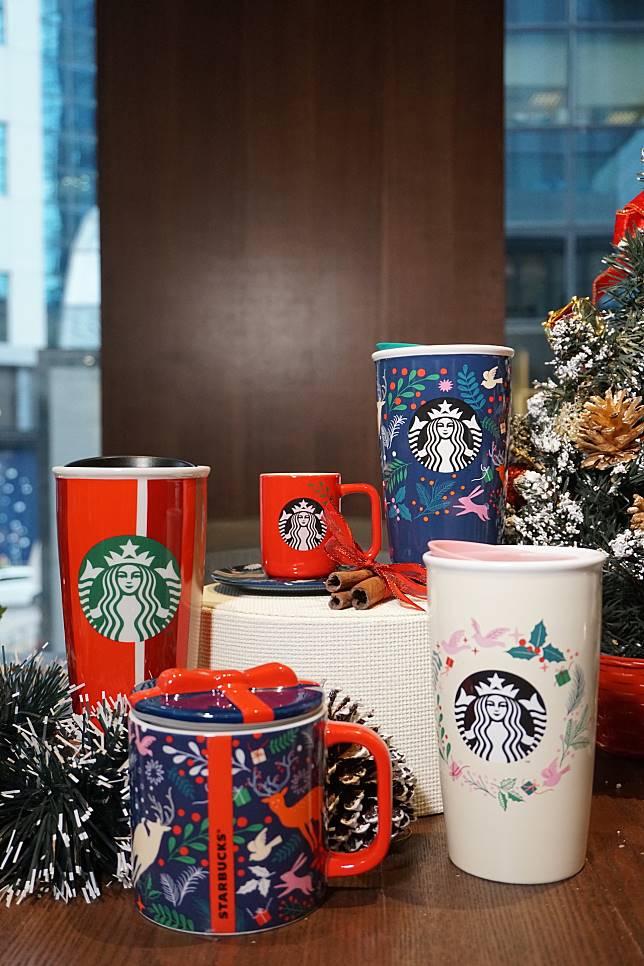 這系列就印有聖誕花圈和裝飾等色彩繽紛的傳統節慶圖案,呈現出熱鬧感覺。