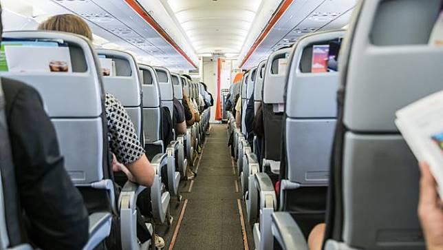 Kenapa Sabuk Pengaman Pesawat Sebaiknya Selalu Dipakai?
