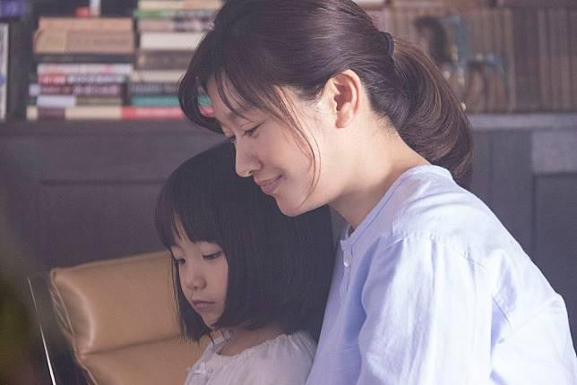 人魚沉睡的家_新聞稿照03_篠原涼子挑戰最難角色 詮釋位女而陷入瘋狂的母親